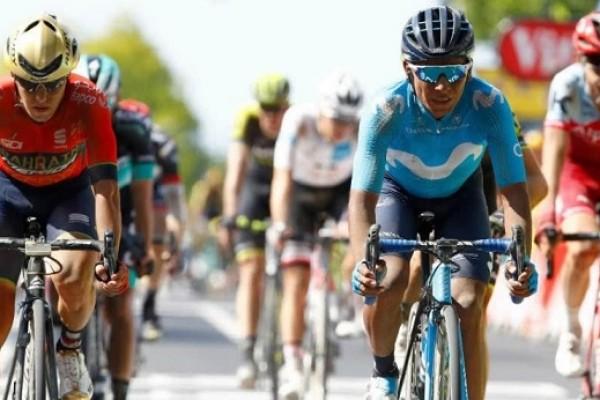 Nairo Quintana con toda en la montaña del Tour