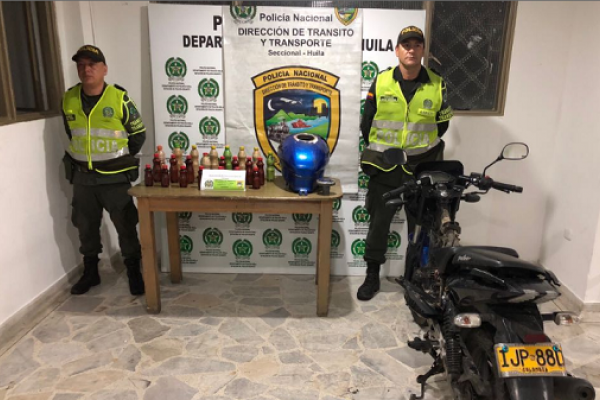 10 kilos de base de coca eran transportados en el tanque de una moto