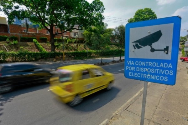 Propietarios de vehículos no son responsables por fotomultas a sus conductores