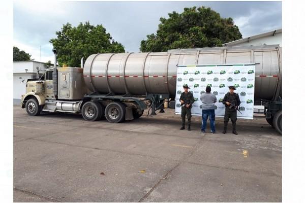 Una tractomula con 10 mil galones de químicos fue incautada en Neiva