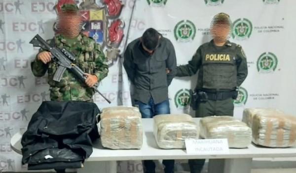 Motociclista capturado en la Plata, con más de 25 kilos de marihuana