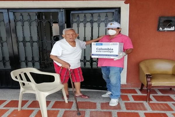 Inicia entrega de ayudas humanitarias a adultos mayores en Neiva