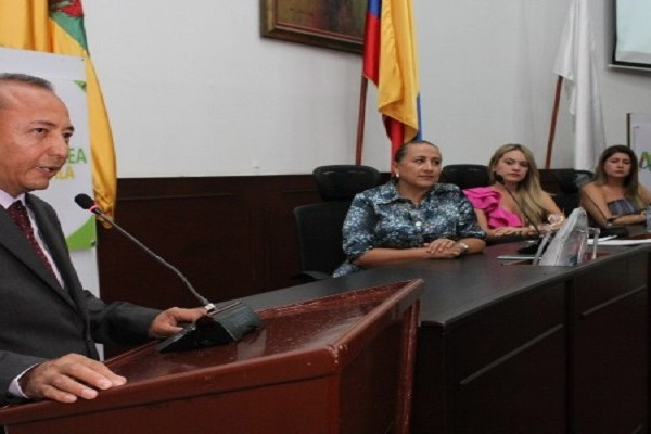 Contralor Departamental denuncia persecución política
