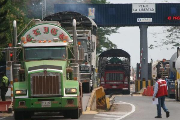 Transportadores convocan a marchar en rechazo del alza de peajes