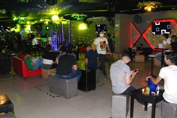 Con la eliminación de restricciones en Neiva, se reactivó la economía de bares y gastrobares