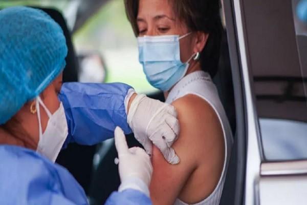 Personas de 50 a 59 años serán vacunadas en etapa 3