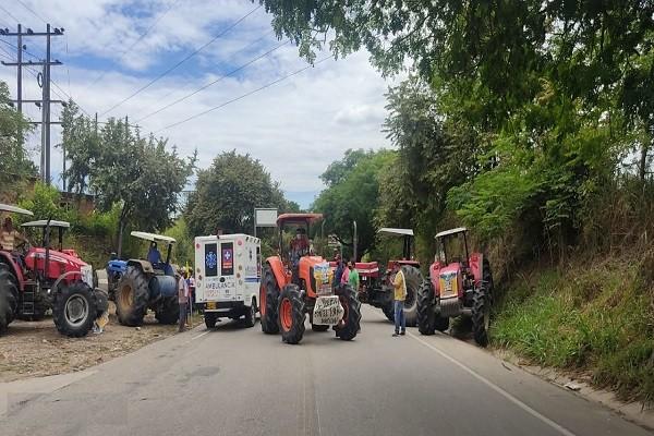 Paso transitorio en las vías del Huila