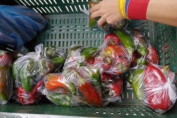 Se reactiva el abastecimiento de los productos básicos de la canasta familiar en Algeciras