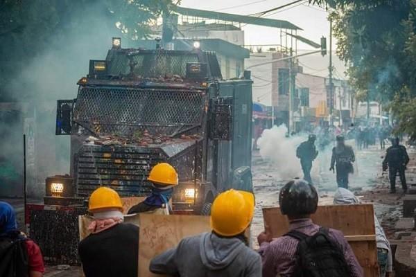 Vándalos en Neiva, arremetieron contra comerciantes, transportadores y policías