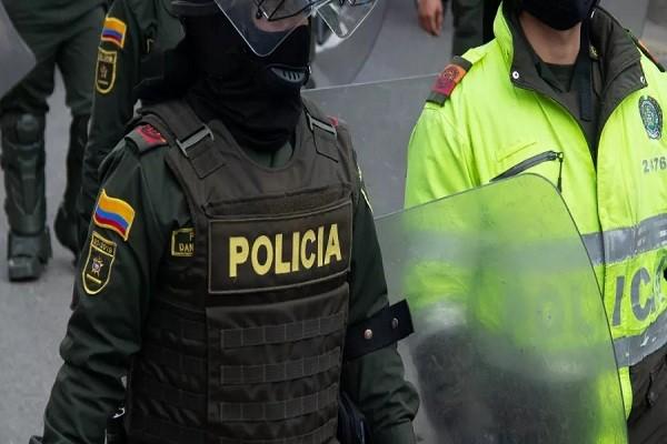 Defensoría del Pueblo denunció ataque con químico a Policía en Bogotá