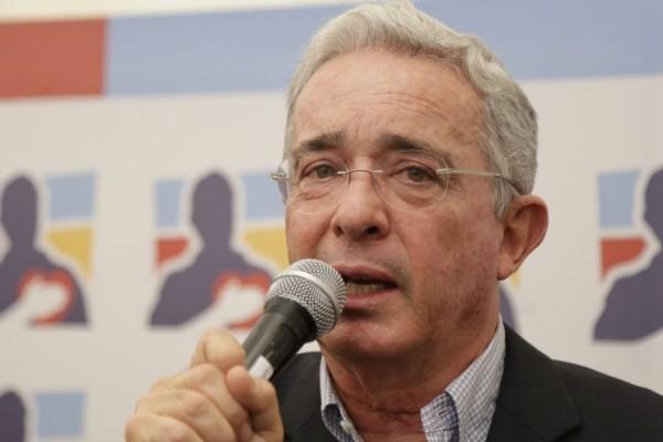 Candidato al que Uribe apoyará