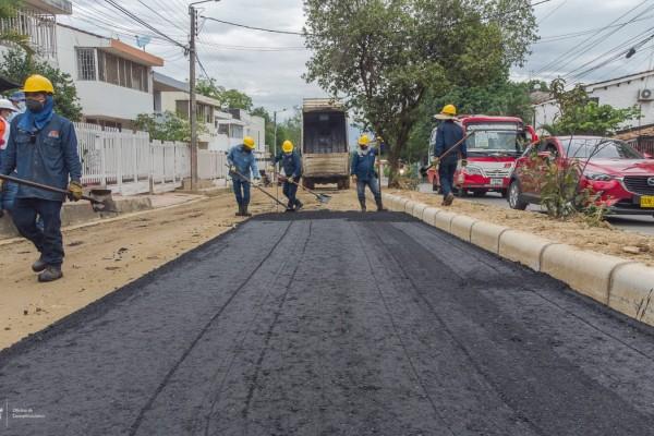 Arrancó la pavimentación de la vía La Orquídea