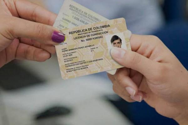 Se complicó la renovación de licencias de conducción en Colombia