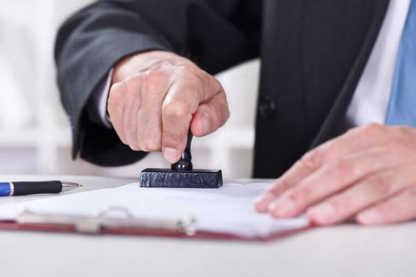 100 Notarías habrían entregado de manera irregular documentos a extranjeros